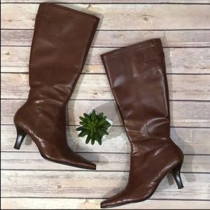 Etienne Aigner brown pointy boots in great shape!!
